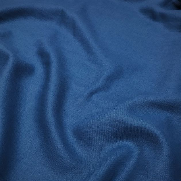 342 - Colourful table linen blue