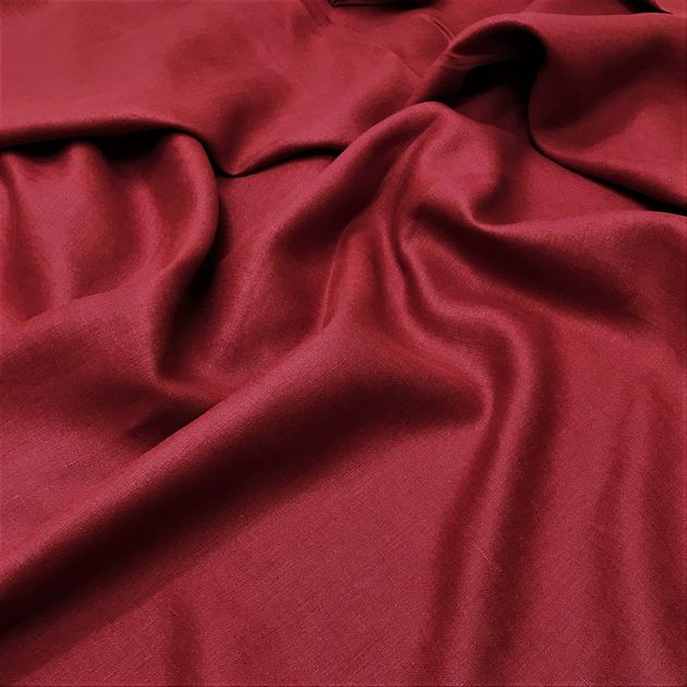 342 - Colourful table linen burgundy